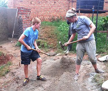 Volunteering in Uganda building schools