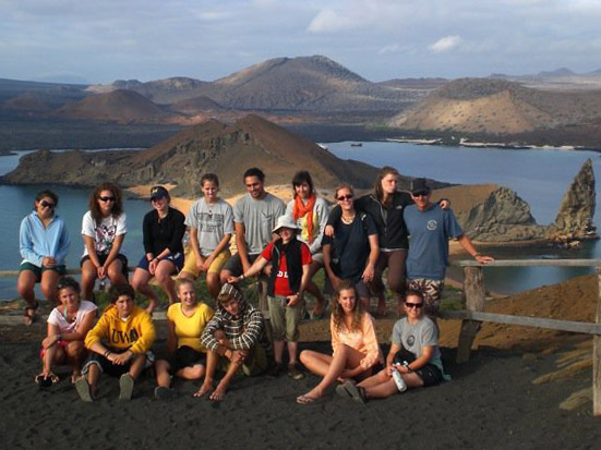 Volunteers in the Galapagos Islands, Ecuador
