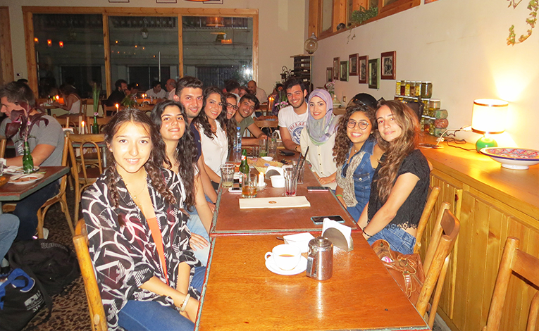 International students at dinner in Beirut