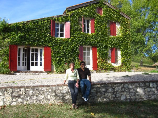 Study abroad student with host mother in Bordeaux, France