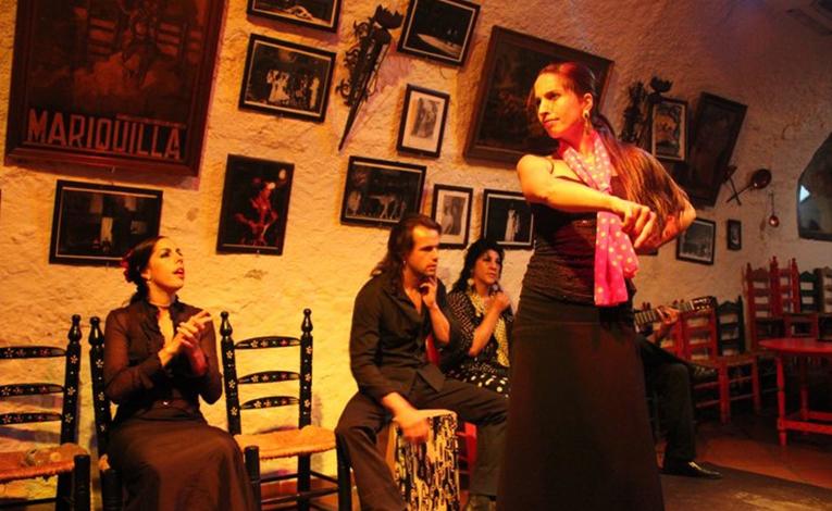Flamenco dancers in Granada, Spain