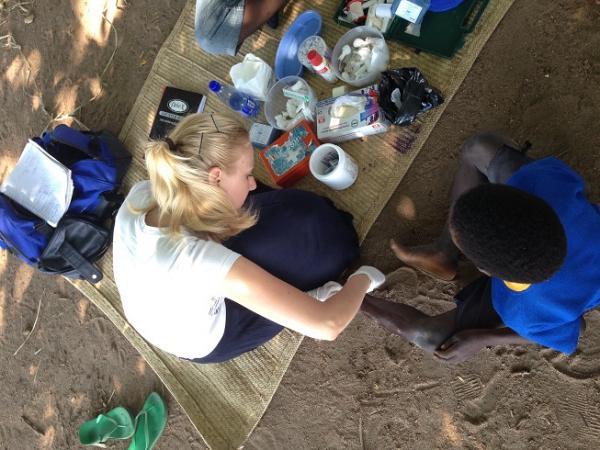 Medical volunteer wound care