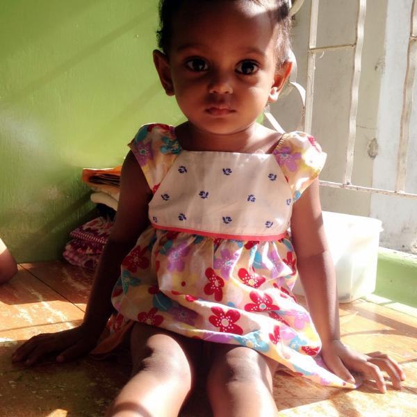 Volunteering in Sri Lanka orphanage todlers