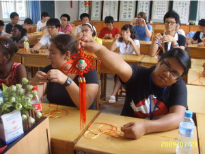 Doing arts and crafts with Chinese students