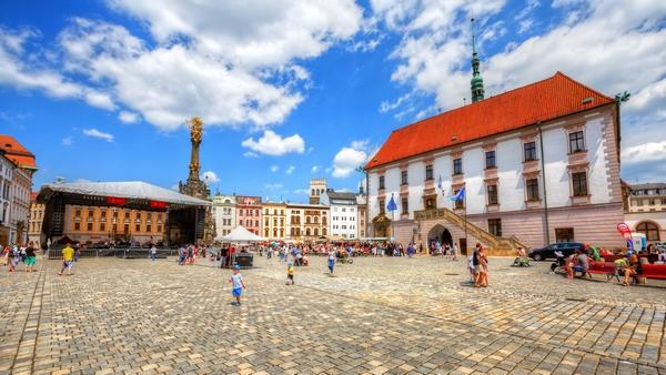 Chance to volunteer in the Czech Republic (free TEFL cert)