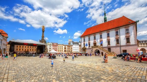 Chance to volunteer in the Czech Republic (free TEFL cert)
