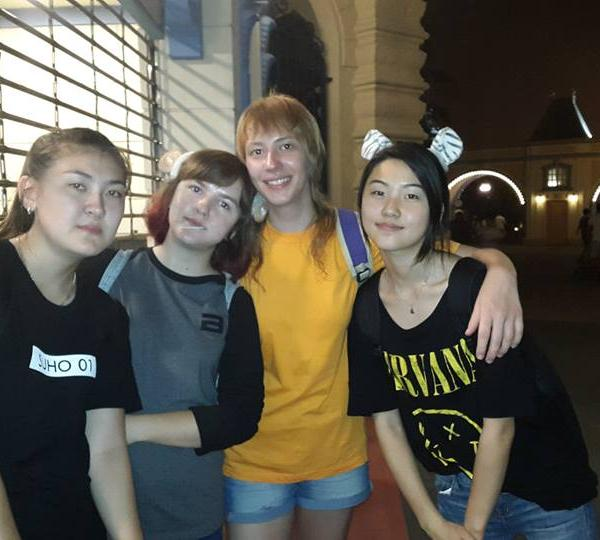Our students became friends in Korea