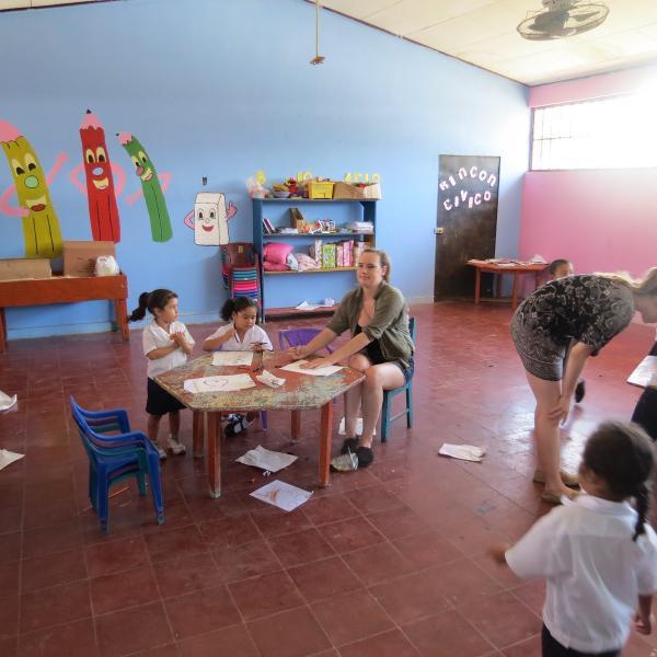Teaching Programs in Honduras with Love Volunteers!