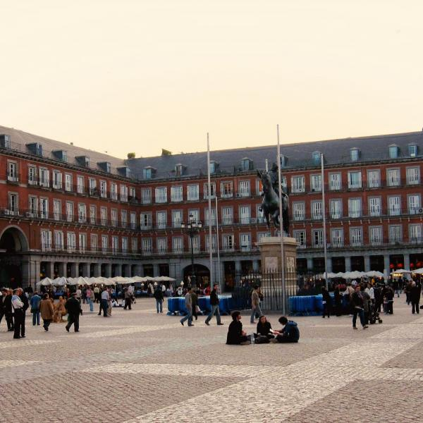 Madrid Plaza Intern in Madrid - Adelante Abroad