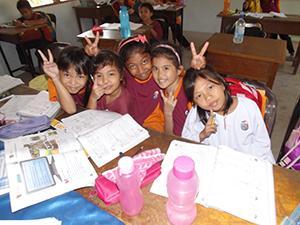 Teach Children in Borneo, Malaysia | travellersworldwide.com