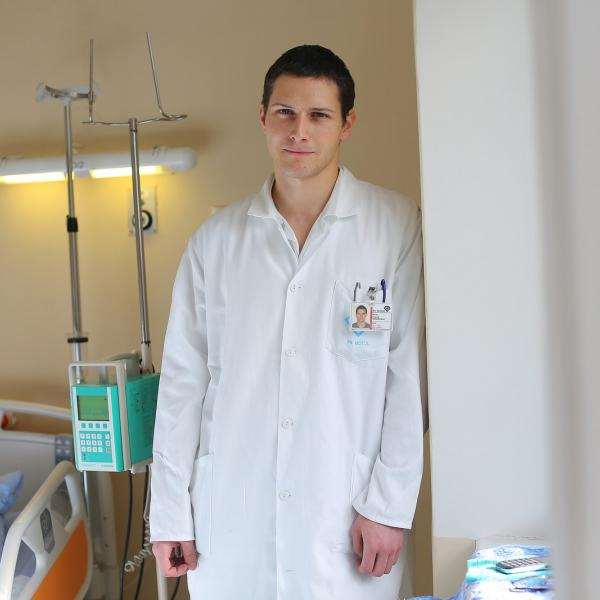 Shadow doctor Meseznikov at Infectious Diseases Division