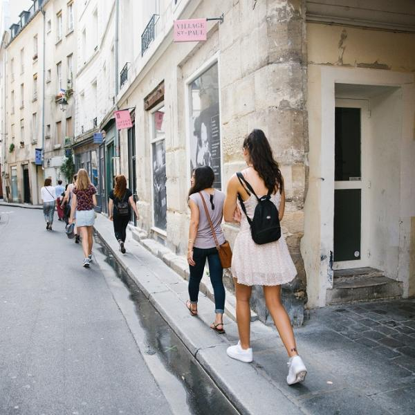 Receive guided tours of Parisian neighborhoods during orientation with APA Paris.