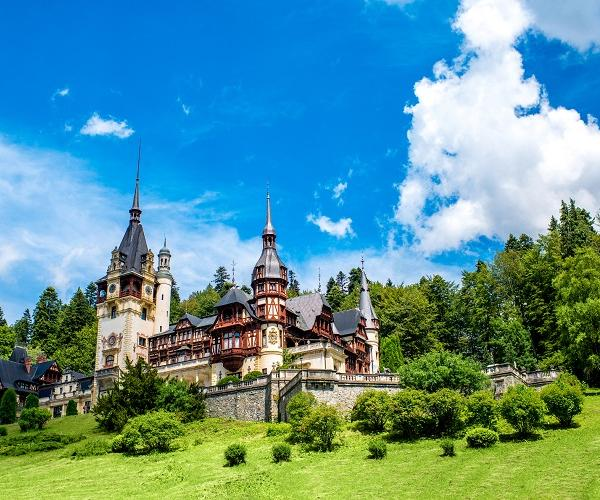 Explore Romania & enjoy an exciting volunteering experience!