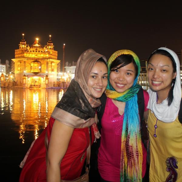 Summer Volunteer Program in India with Love Volunteers!
