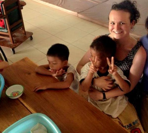 volunteer-disabled-phnom-penh