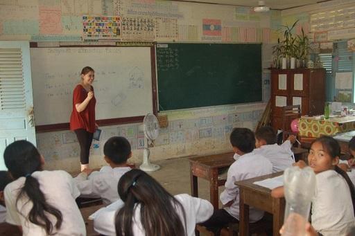 laos-vang-vieng-school