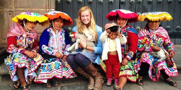 locals-in-traditional-clothing-cusco-peru-latin-america