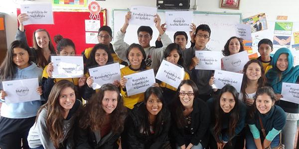 volunteer-teaching-english-esl-classroom-lima-per-latin-america
