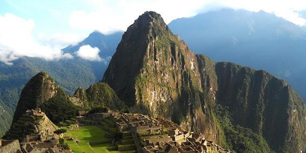 hike-macchu-picchu-peru-latin-america