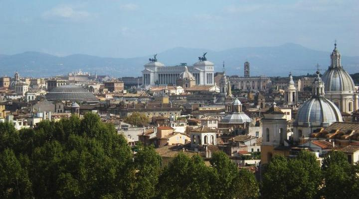 Let the mysterious personality of Rome overtake you while studying abroad amongst ancient ruins.