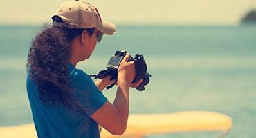A photographer doing a photoshoot