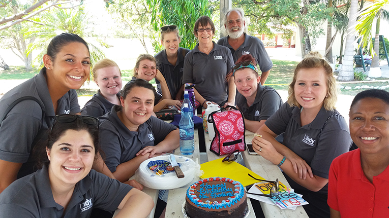 Volunteers at a retirement home in Belize