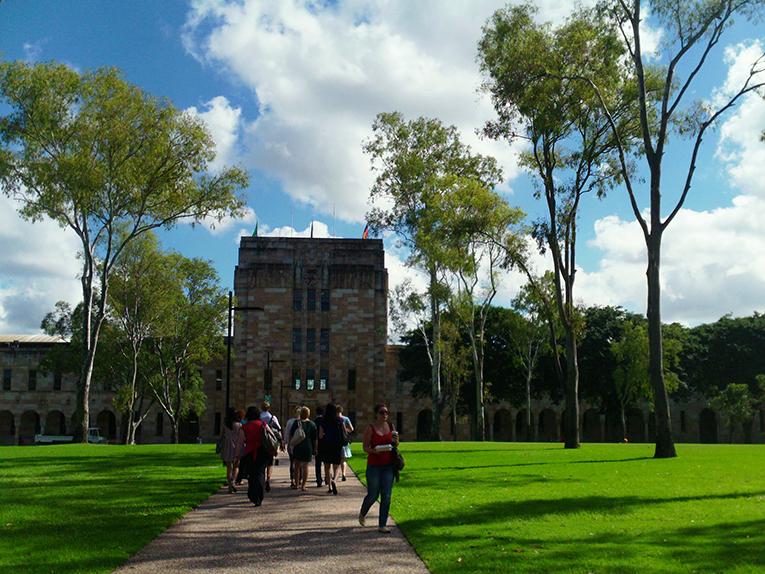UQ campus walk
