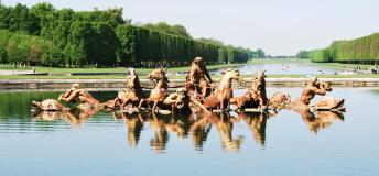 Versaille Fountains –Mesmerize in art found in the Versaille Gardens of Paris