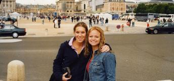 Study abroad students in Versailes, France
