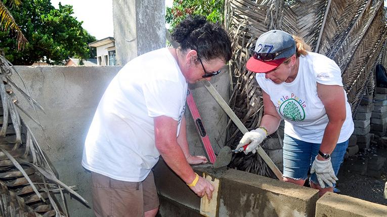 Construction volunteers in Ghana